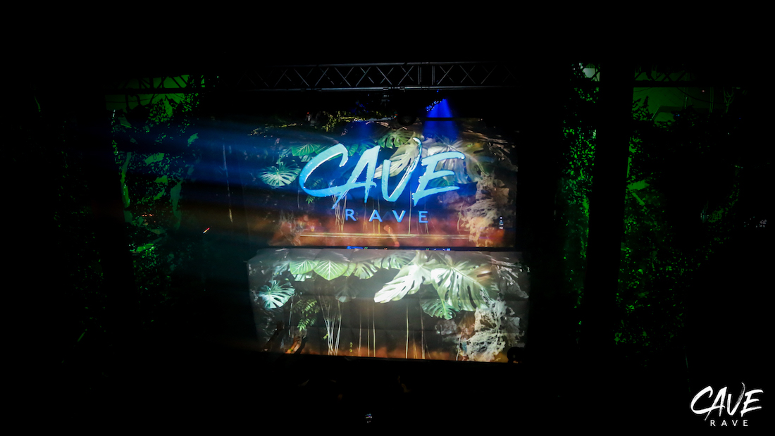 CAVE_RAVE_TOUR_PIXEL_BRANDINGA6873